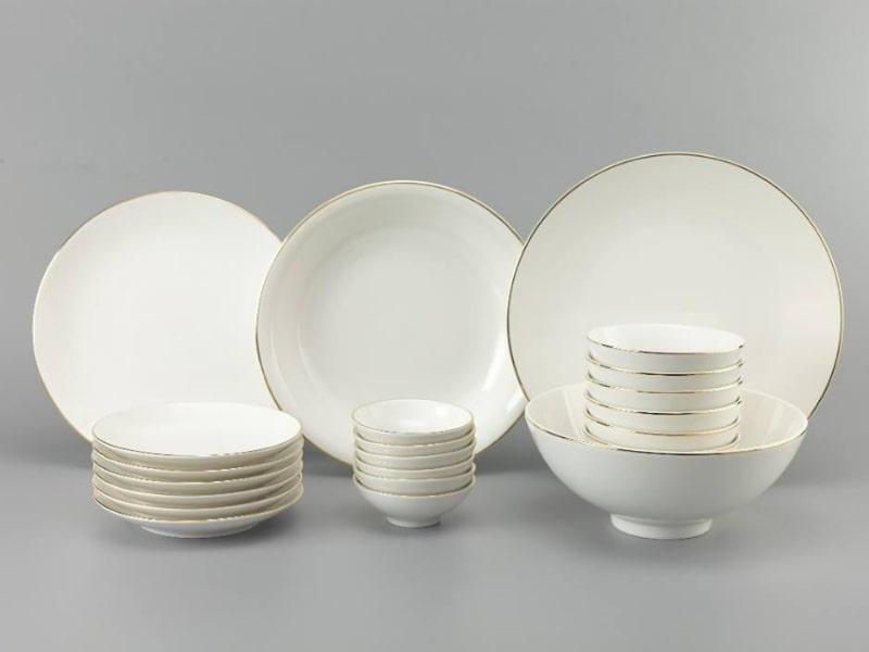 Bộ bát đĩa sứ trắng
