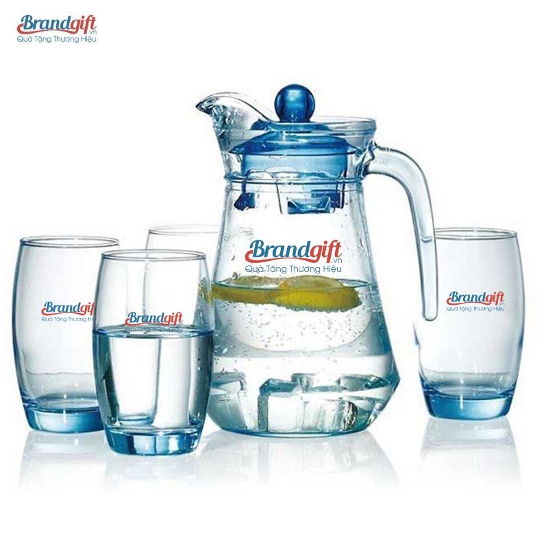 Brandgift -  Đơn vị in logo thương hiệu lên bình cốc thủy tinh giá rẻ, chất lượng