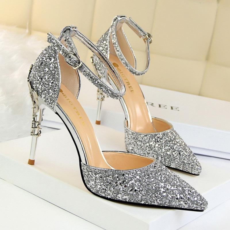 Giày cao gót làm quà tặng sinh nhật