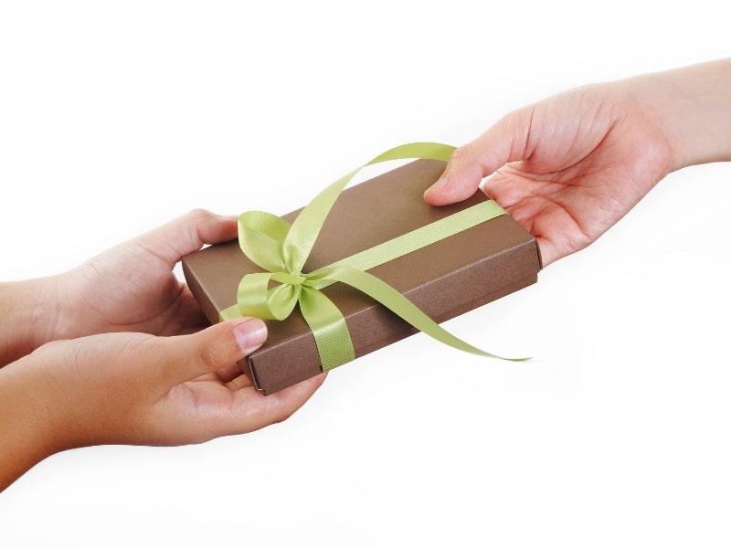 Quà tặng đầy tháng cho bé gái